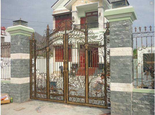 Đơn Vị Làm Cửa Cổng Sắt Mỹ Nghệ Đẹp Giá Rẻ TPHCM, Cửa Cổng Sắt 4 Cánh TPHCM